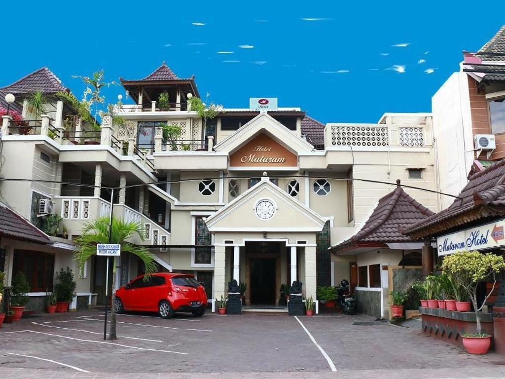 Best price on hotel mataram yogyakarta in yogyakarta reviews hotel mataram yogyakarta stopboris Images