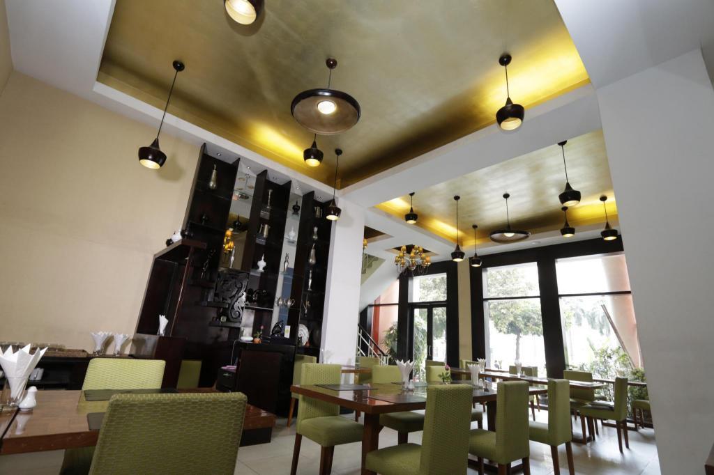 East Hotel Yangon Reviews
