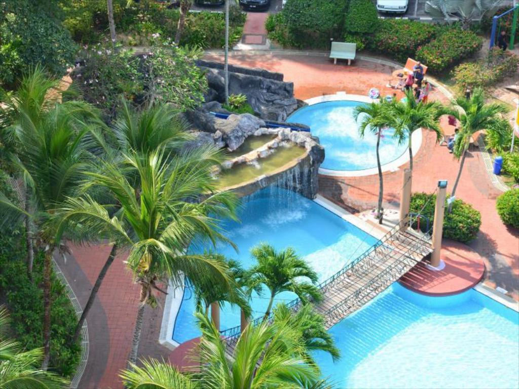 Best price on garden city service apartment melaka in for Garden pool repairs