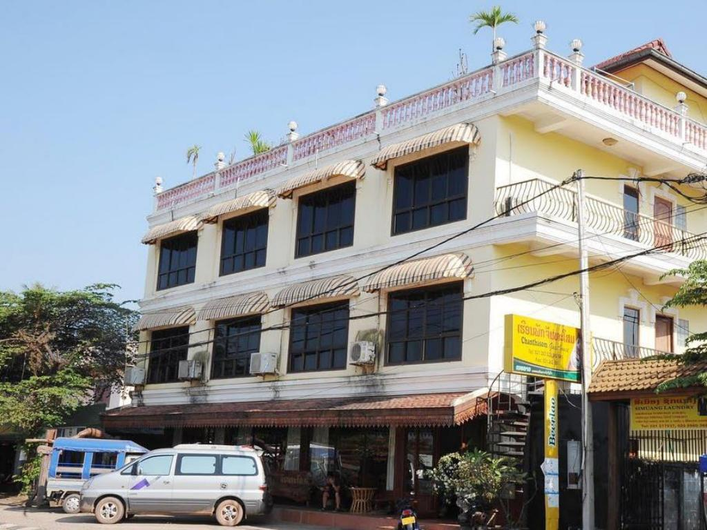Best price on chanthasom guest house in vientiane reviews for Guest house cost