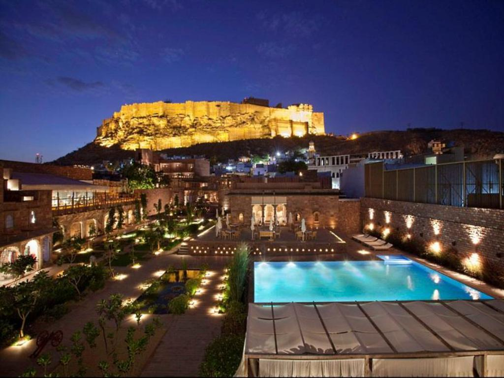More About Hotel Raas