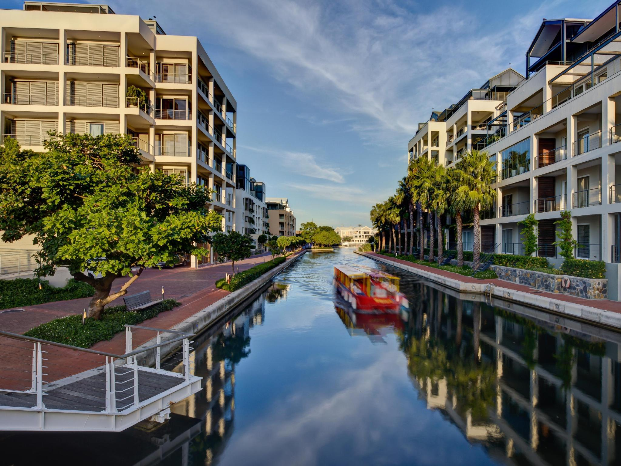 More About Marina Waterfront Apartments
