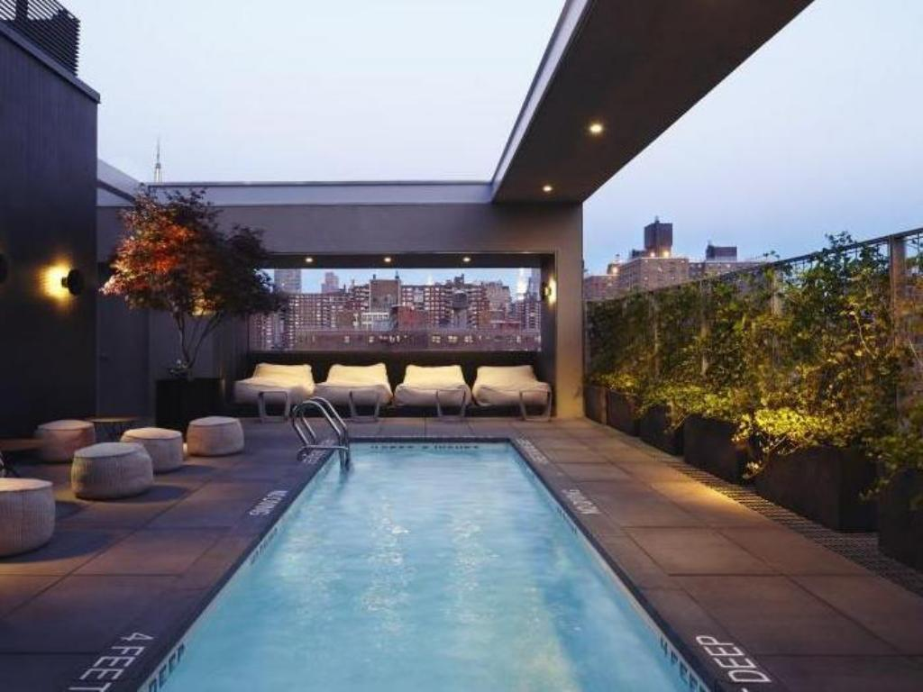 Best price on hotel americano in new york ny reviews for Hotel americano pool