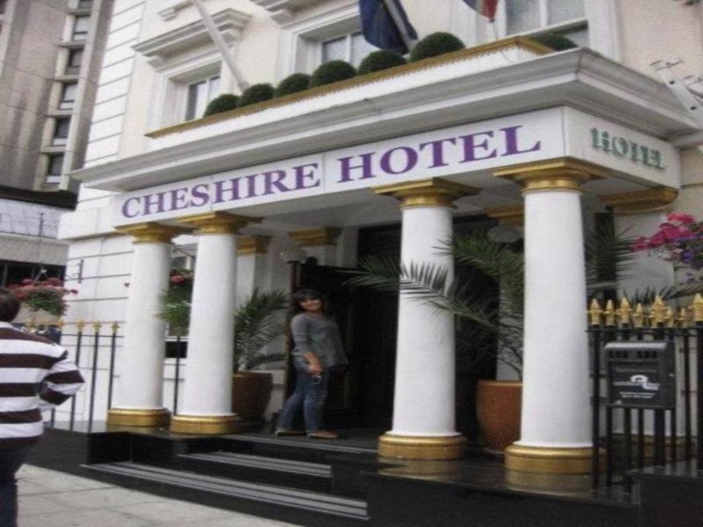 Bathtub In Room Hotel London