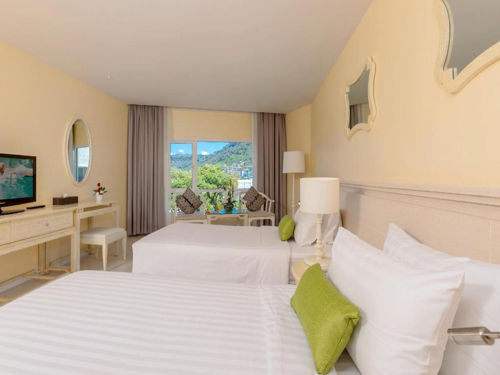 Hotel Reviews of Andaman Embrace Patong Phuket Thailand - Page 1
