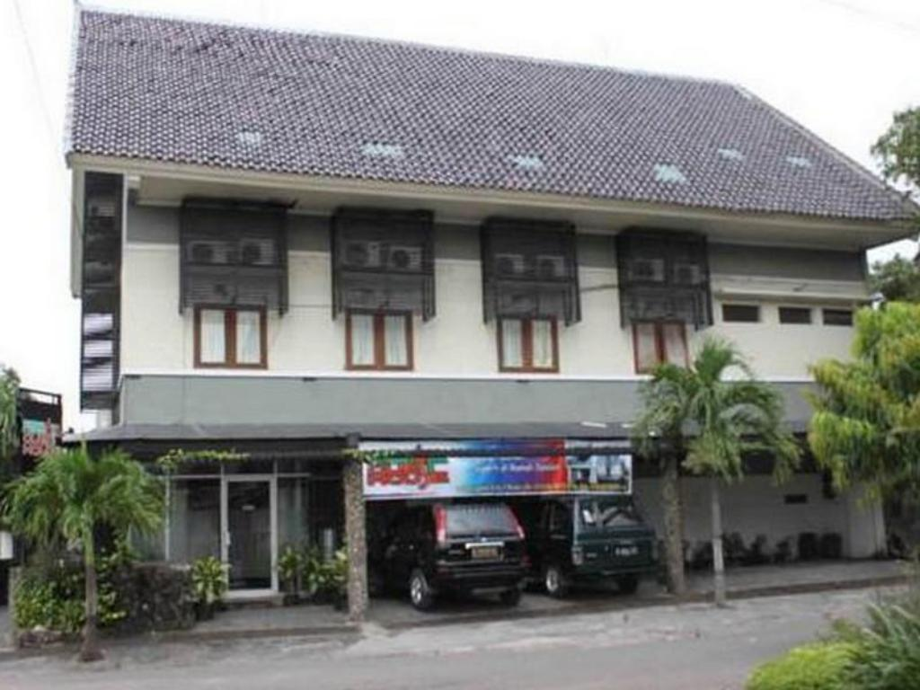 Best price on permata guest house in semarang reviews for Guest house cost