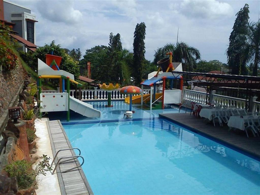 Best Price On D Japanese Tunnel Family Resort In Davao City Reviews