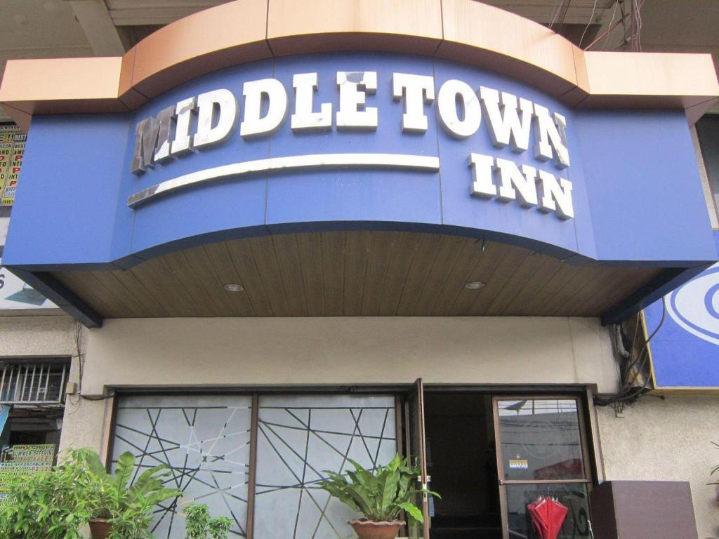 More About Middle Town Inn