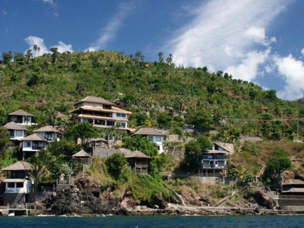 Best Price on Deep Blue Selang Resort Amed in Bali + Reviews!