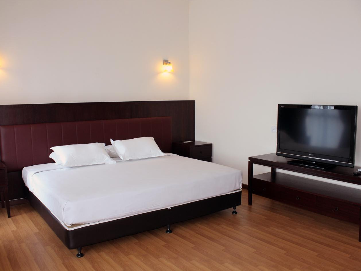 Best Price On Arabian Bay Resort Bukit Gambang Resort City