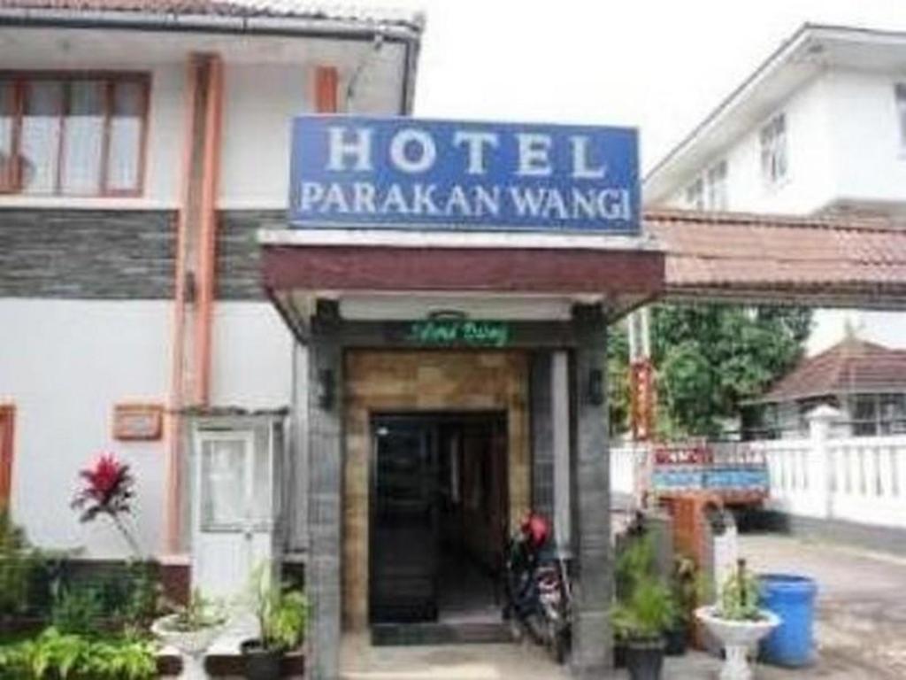 More About Hotel Parakan Wangi