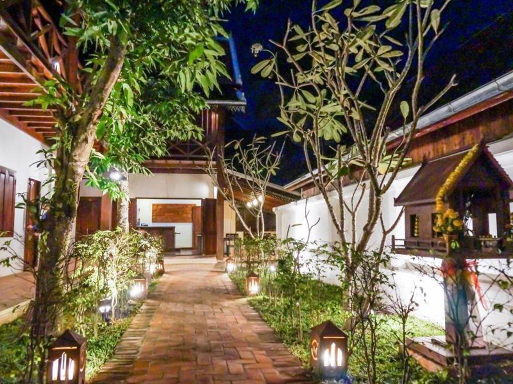 Villa chitchareune for Boutique hotel characteristics