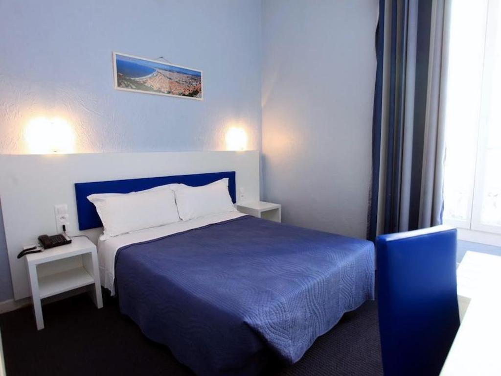 Hotel Des Flandres In Nice