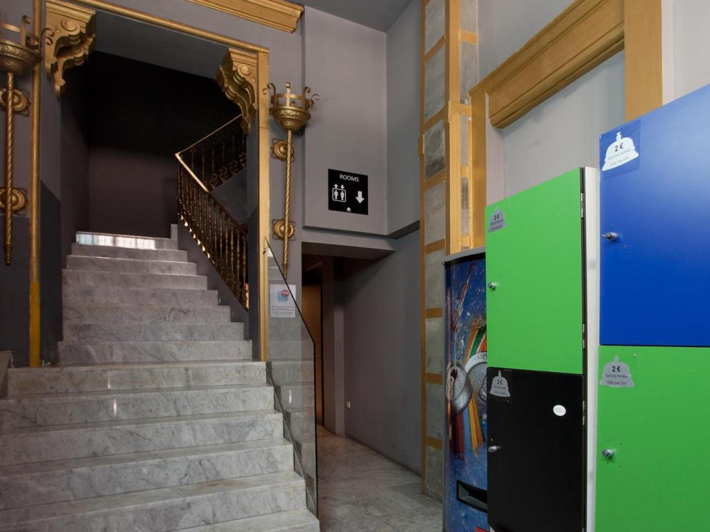 Ding Dong Palacete Guest House in Valencia - Room Deals ...