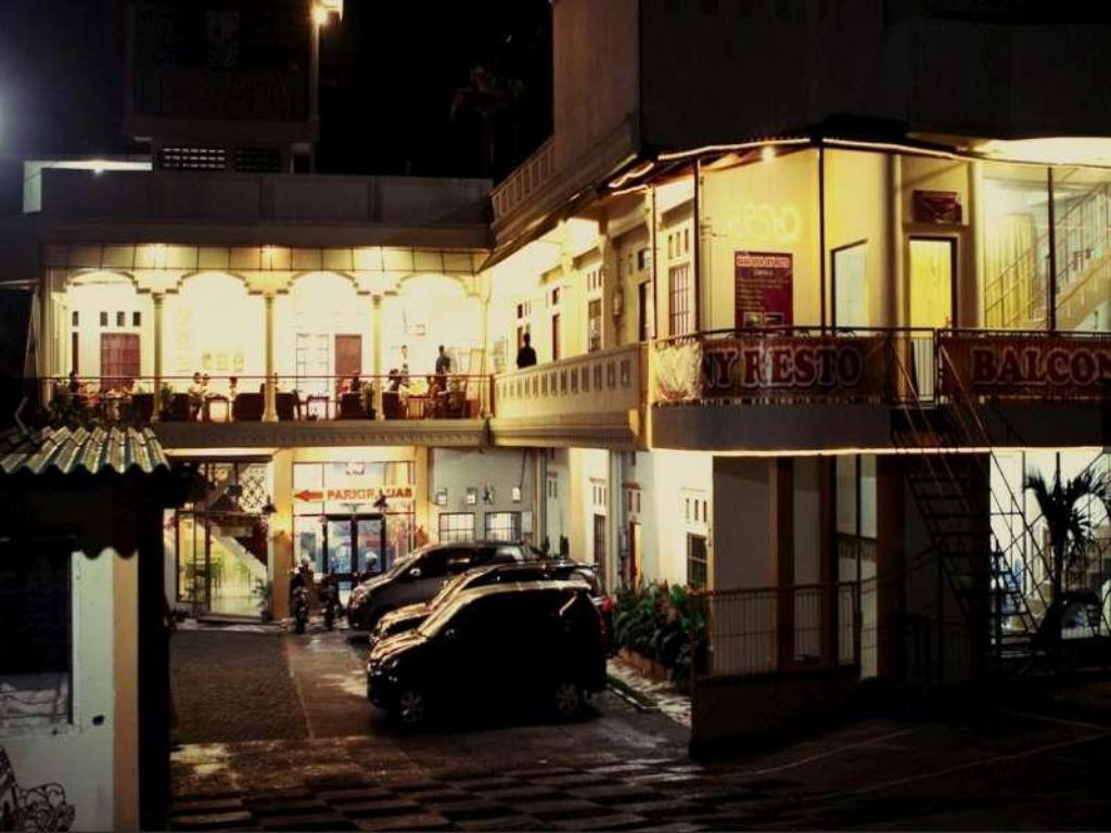 More About Hotel Kana