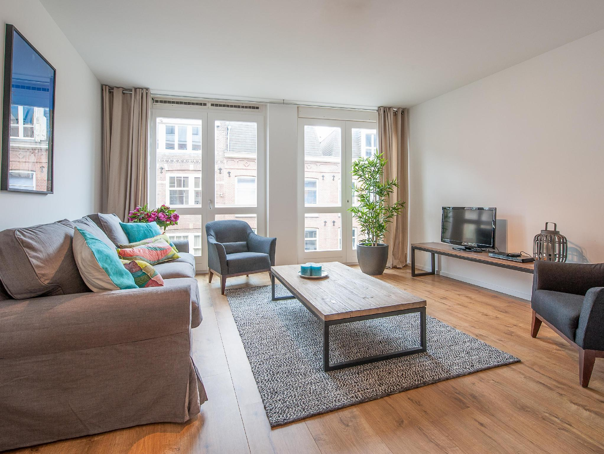 Best Price on Sarphatipark Apartments in Amsterdam + Reviews!