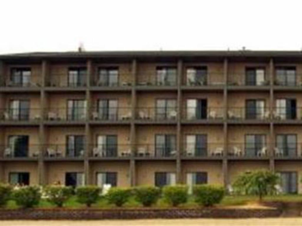 More About Beachfront Hotel Houghton Lake
