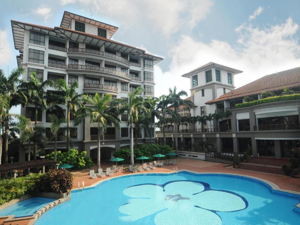 More About Mahkota Hotel Melaka