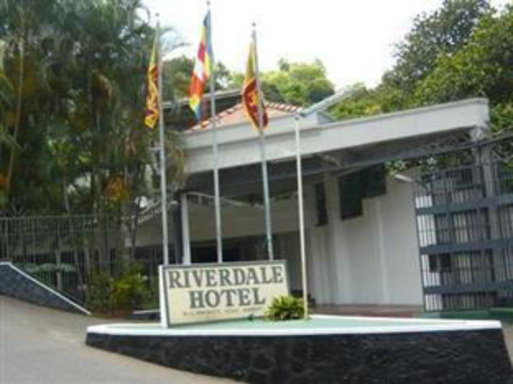 Best Price on Riverdale Hotel in Kandy + Reviews