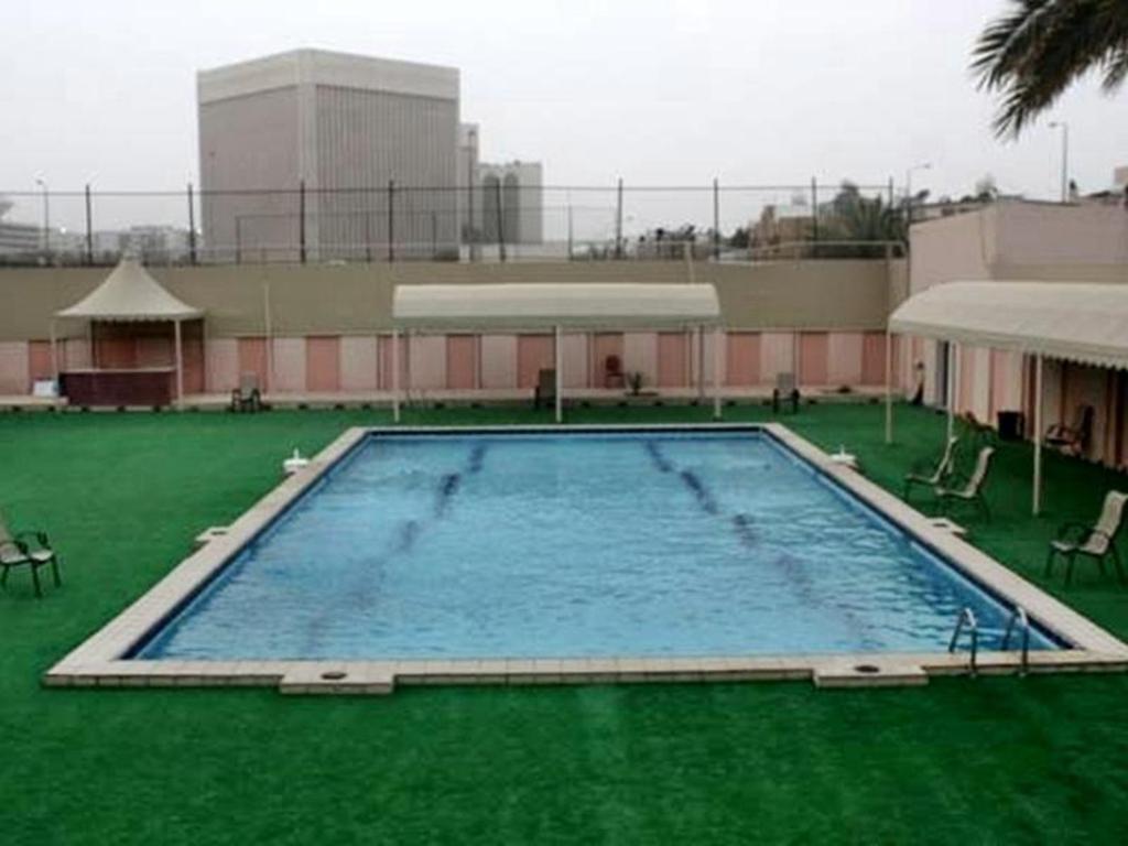 Al yamama hotel in riyadh room deals photos reviews - Hotels in riyadh with swimming pools ...