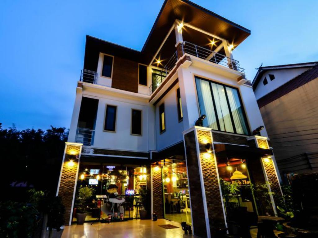Best Price on The Rich House in Krabi + Reviews