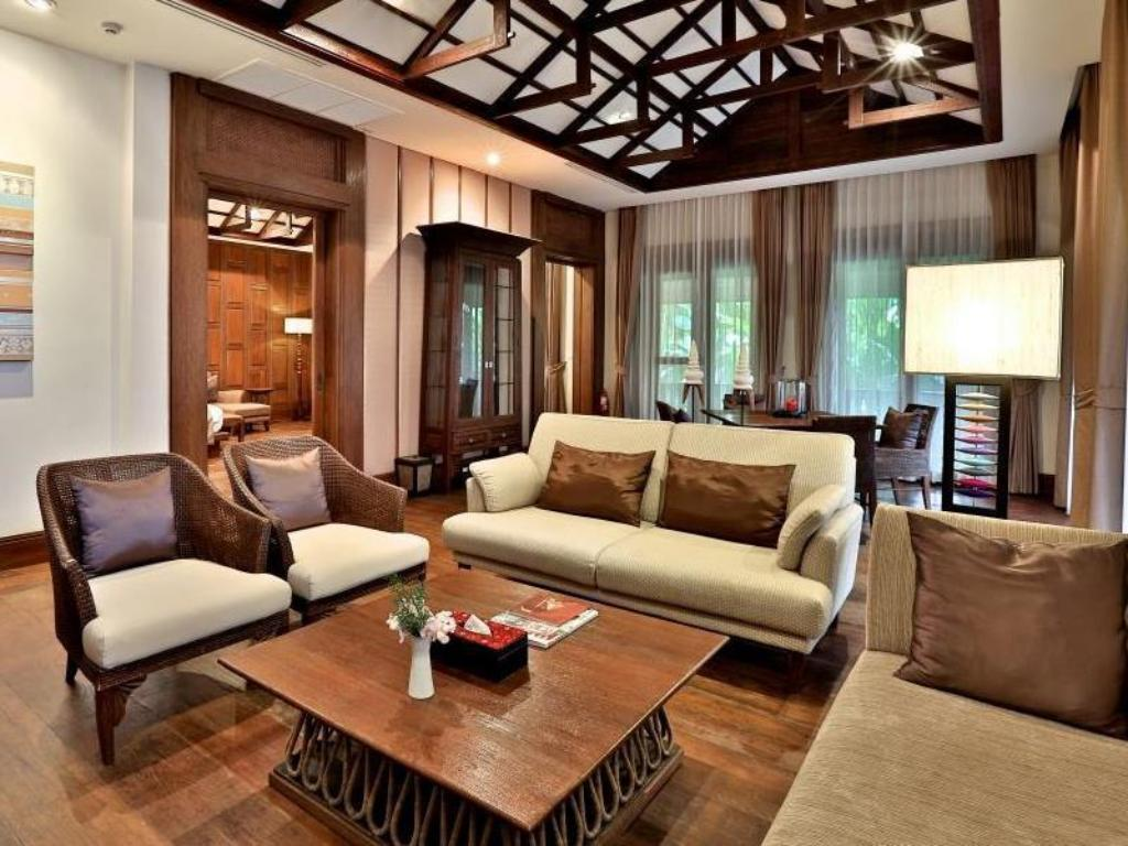 Best price on sibsan luxury hotel rimping in chiang mai for Best value luxury hotels