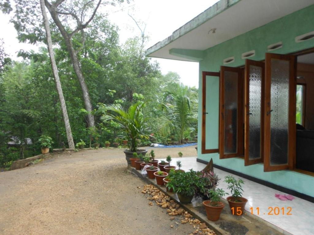 best price on ananda guest house in kandy reviews