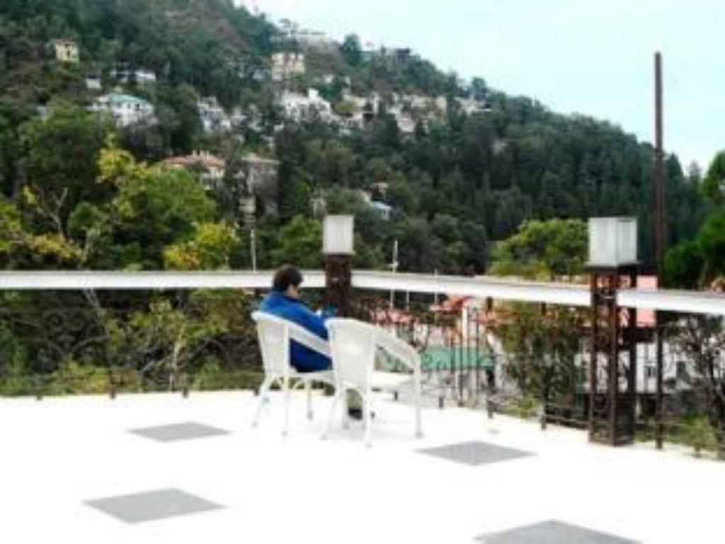 Best price on kbs value hotel spa in mussoorie reviews for Terrace jhula