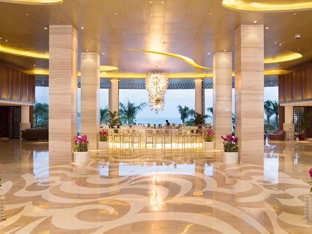 HOLIDAY INN RESORT SANYA YALONG BAY - Prices & Reviews ...   Sanya Holiday Inn Resort Logo