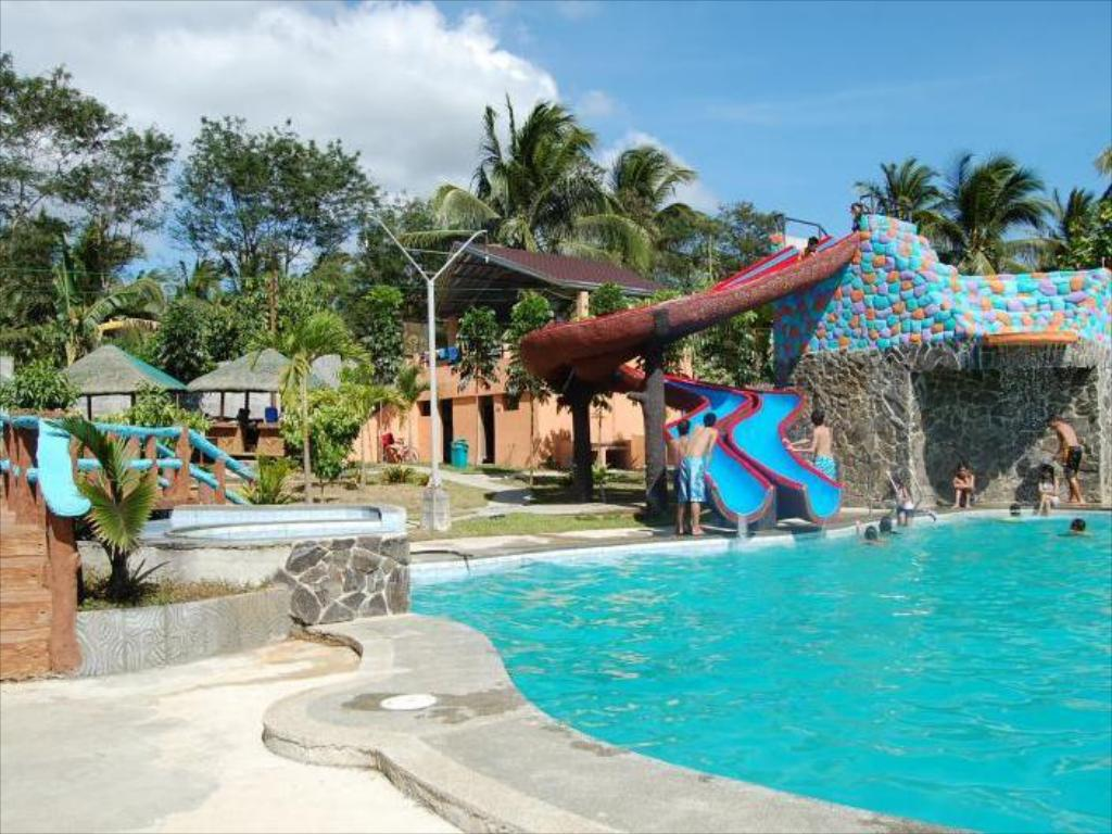 Best Resorts In Lipa City