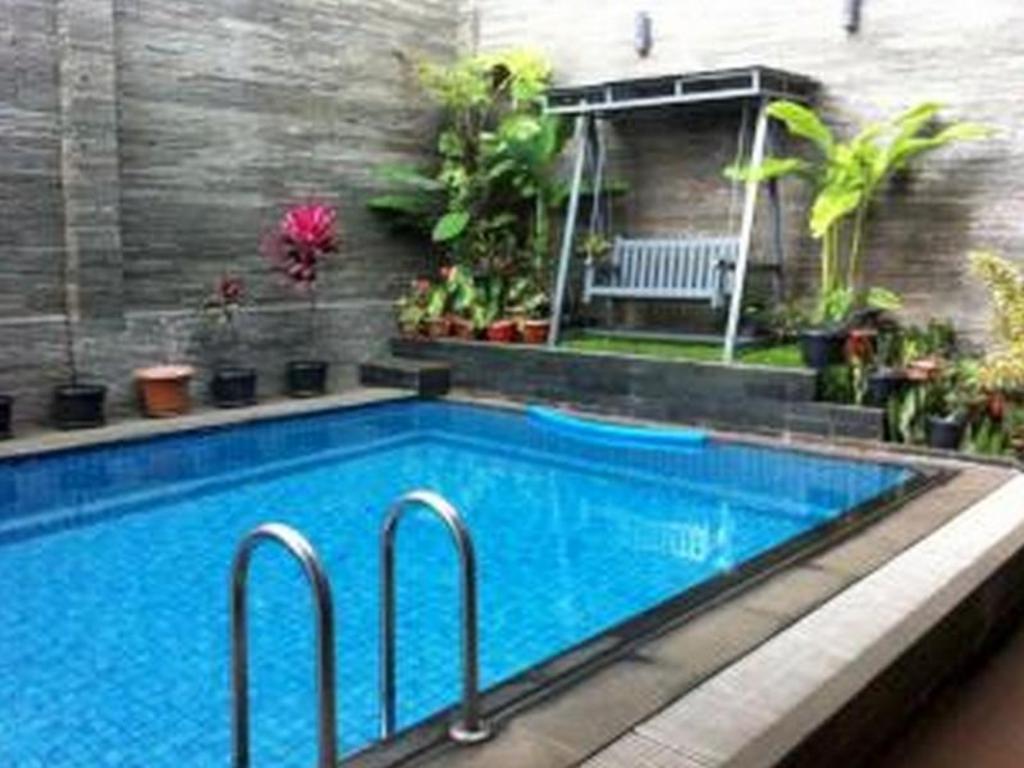 More About Pondok Ambu Guest House Gegerkalong