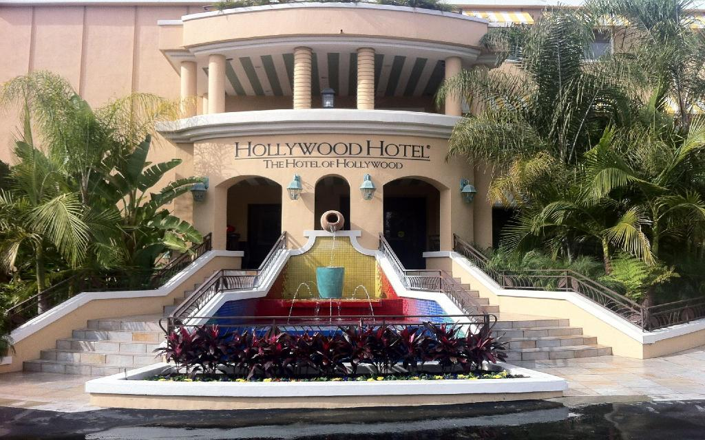 Hollywood Hotel The Of Near Universal Studios