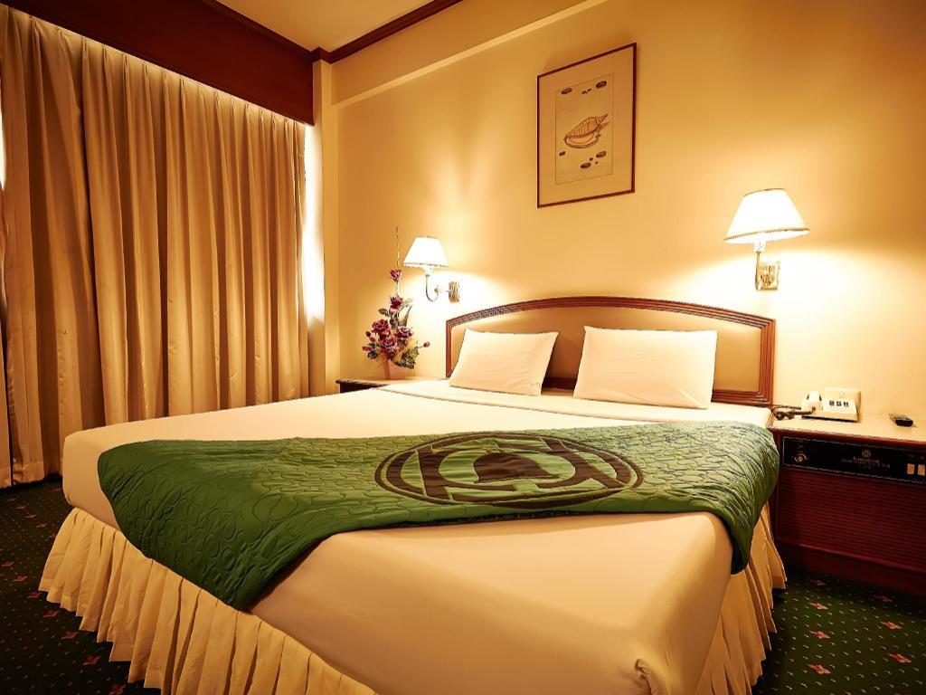 豪华房(双人床) 考斯特酒店 (kosit hotel)