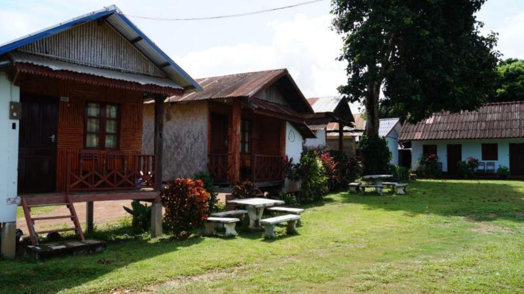 Best price on keosimoon guesthouse in vang vieng reviews for Domon guesthouse vang vieng