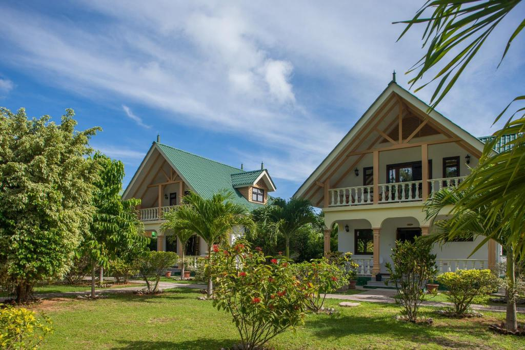 Best Price on Chalets D\'Anse Reunion in Seychelles Islands + Reviews!