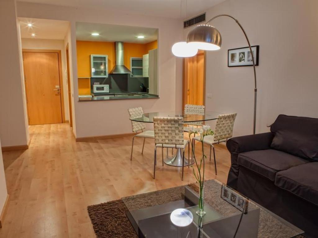 Best Price on Barcelona Apartment Villarroel in Barcelona ...