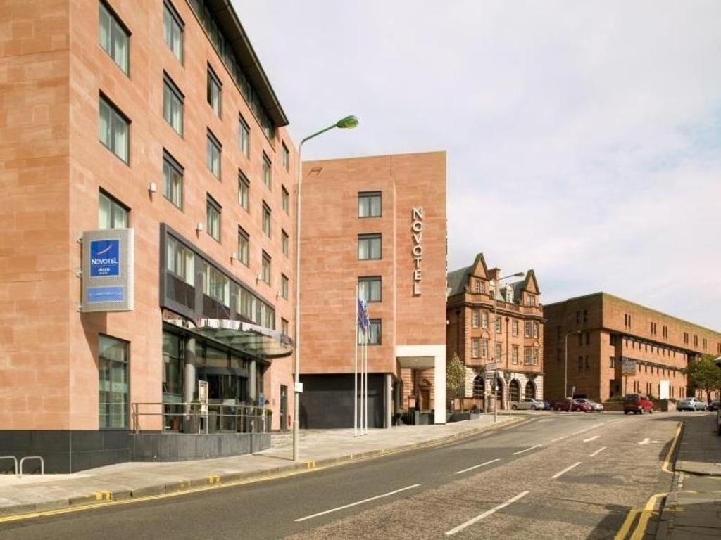 best price on novotel edinburgh centre hotel in edinburgh. Black Bedroom Furniture Sets. Home Design Ideas