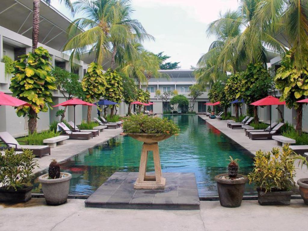 Best Price on The Oasis Kuta Hotel in Bali + Reviews