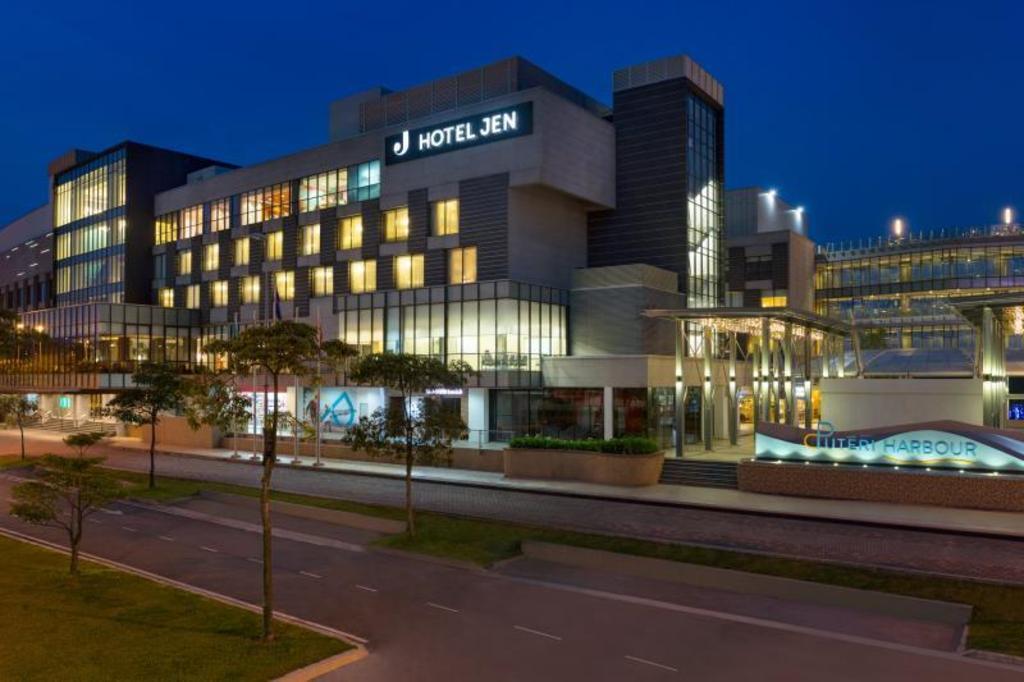 Hotel Room For  Uk