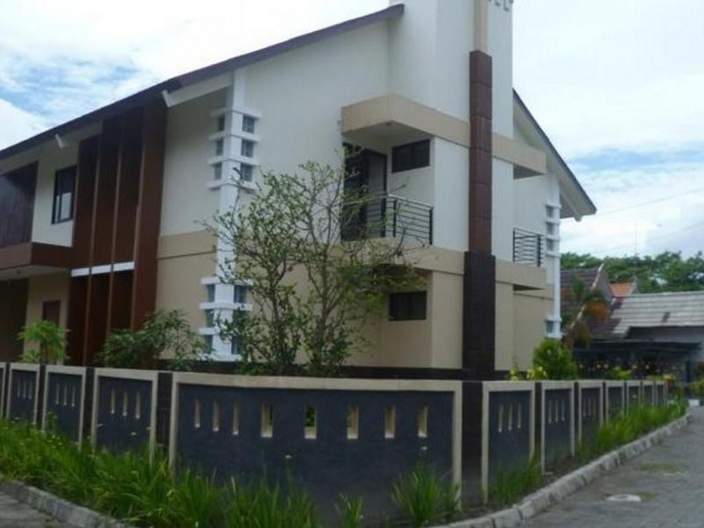 Best Price On Twin House In Yogyakarta Reviews
