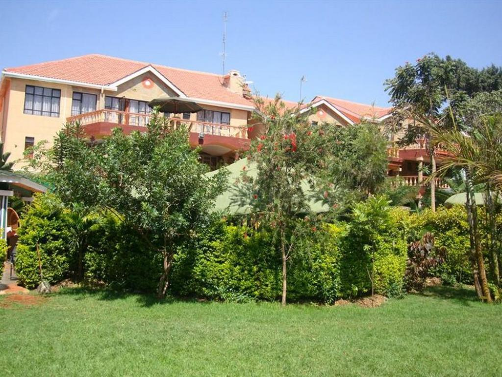 Best price on comfort gardens guest house in nairobi reviews for Comfort house