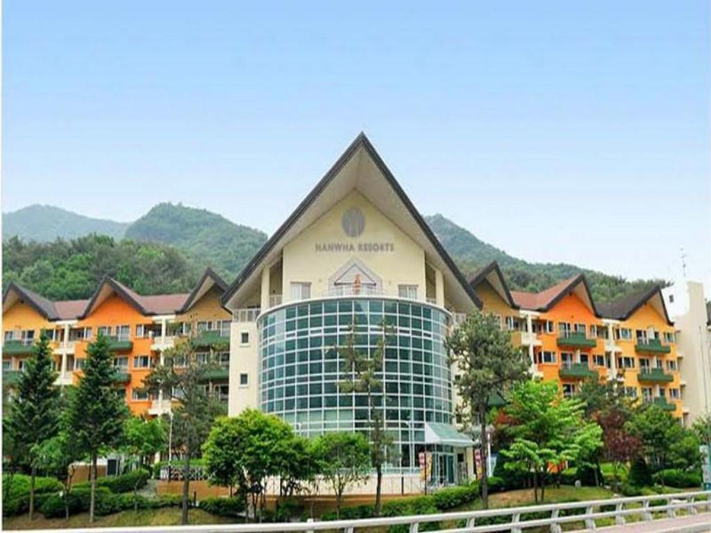 Hanwha resort sanjeong lake annecy in pocheon room deals photos reviews Lake annecy hotels swimming pool