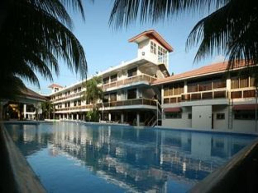 More About Splash Oasis Resort Hotel