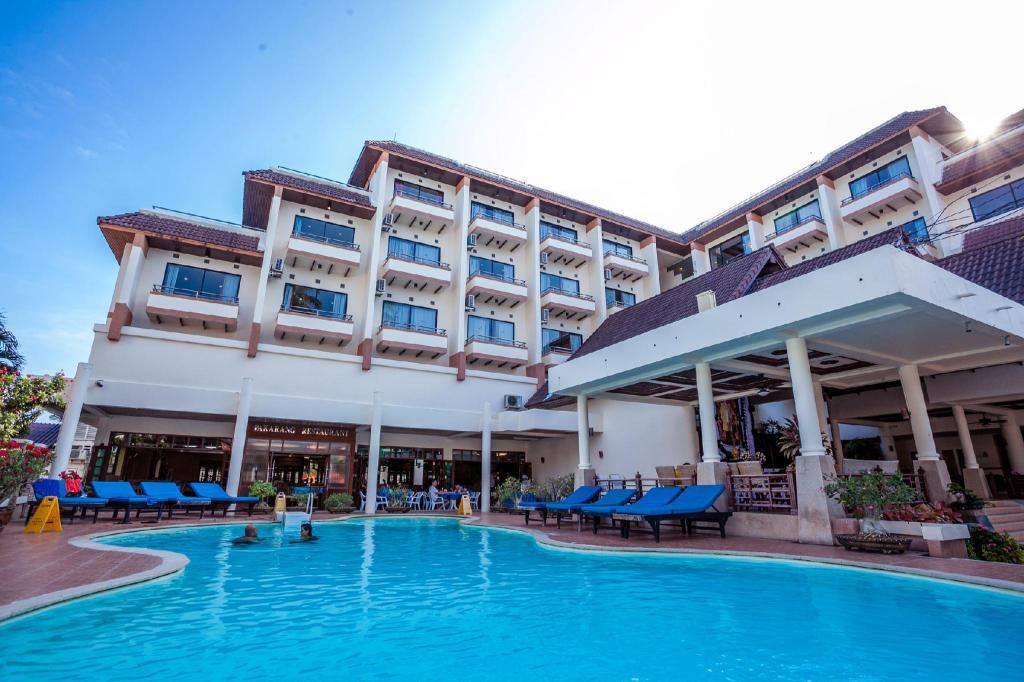 皮皮岛酒店 (phi phi hotel)