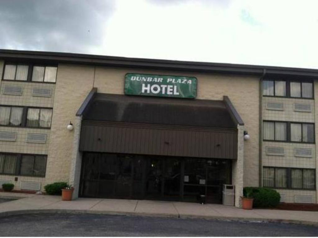 More About Dunbar Plaza Hotel