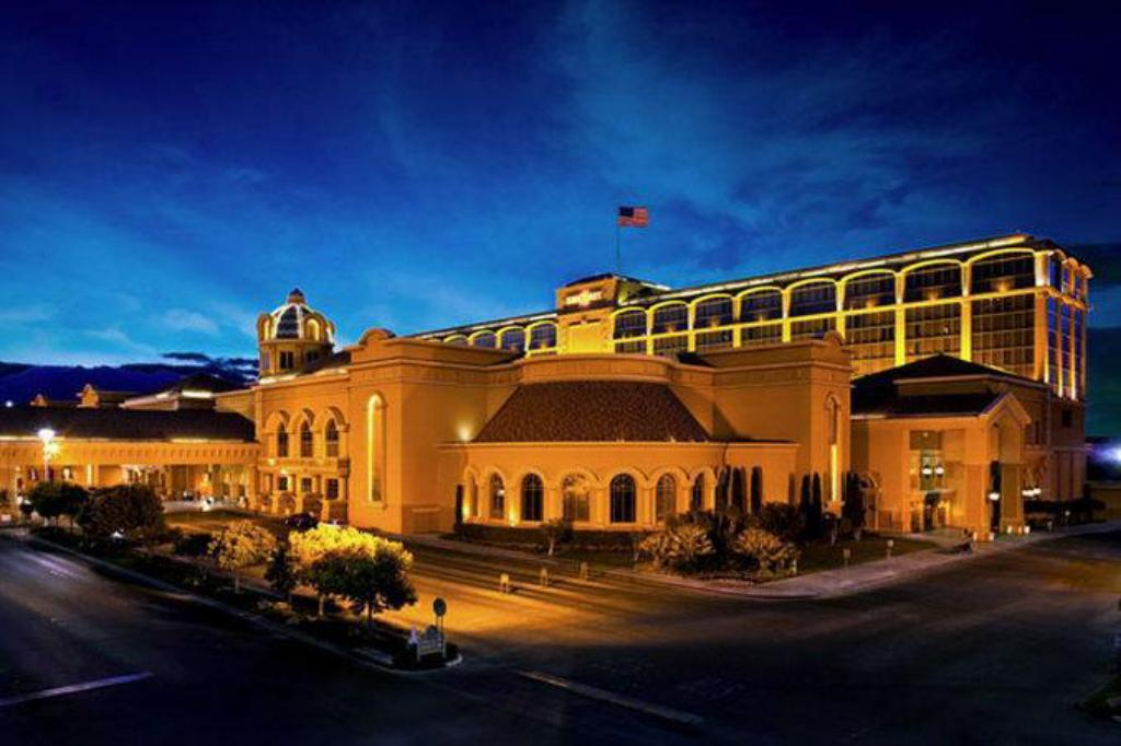 casino queen hotel reviews