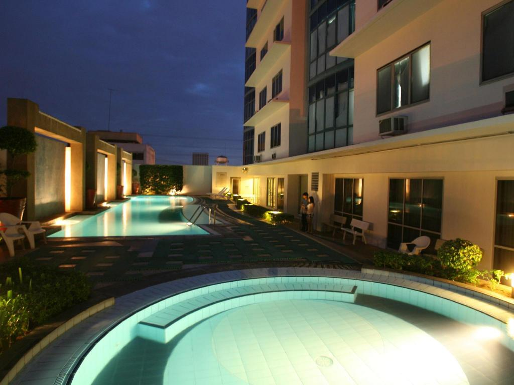 More About Astoria Plaza Full Service Residential Suites