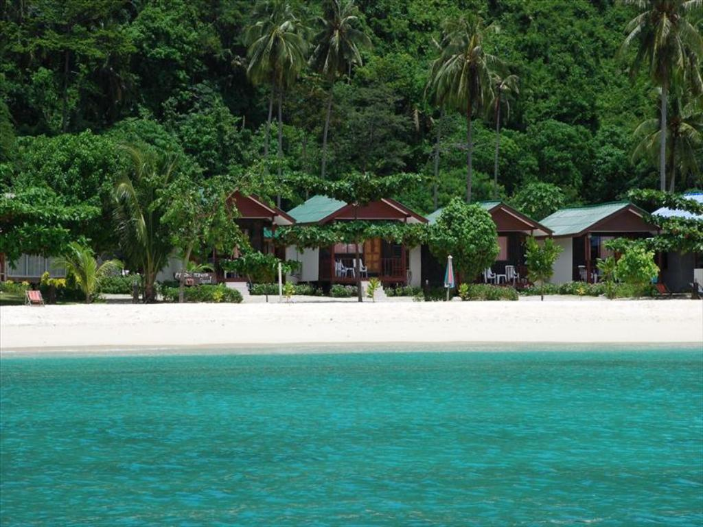 Best Price on Phi Phi Nice Beach Resort in Koh Phi Phi + Reviews!