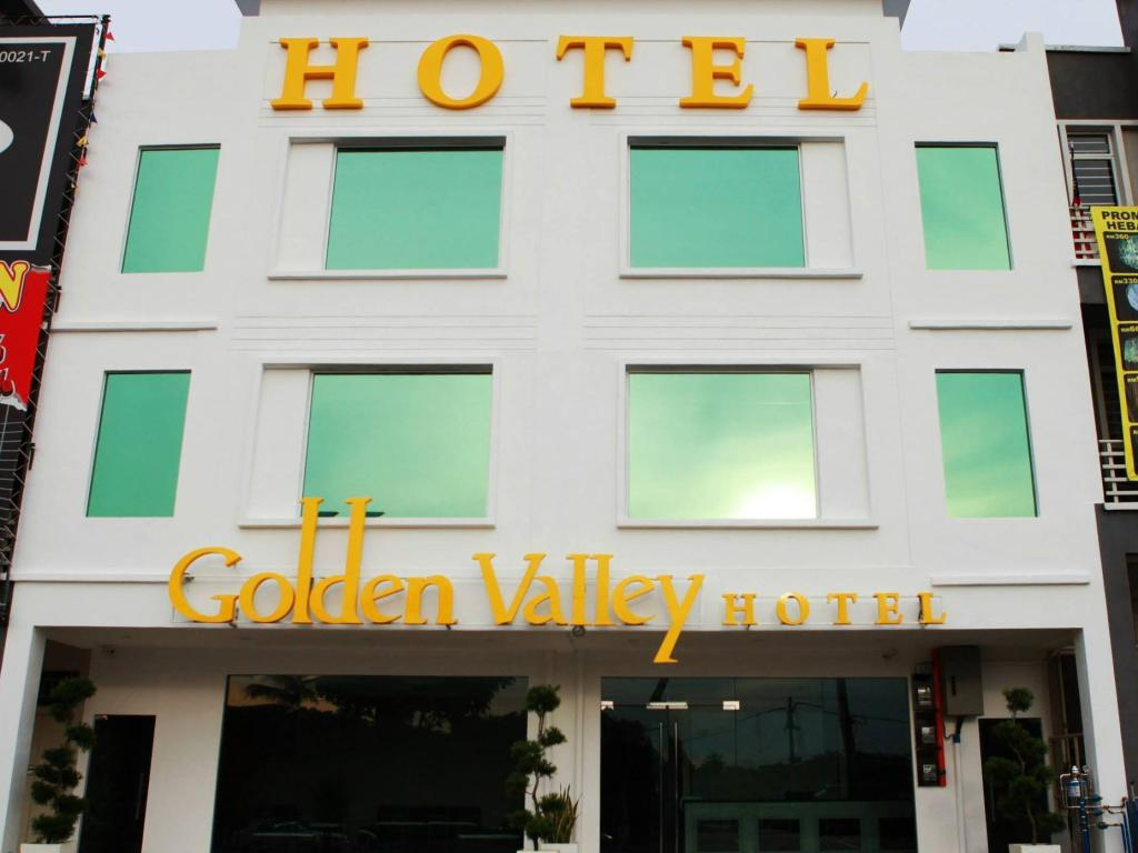 More About Golden Valley Hotel
