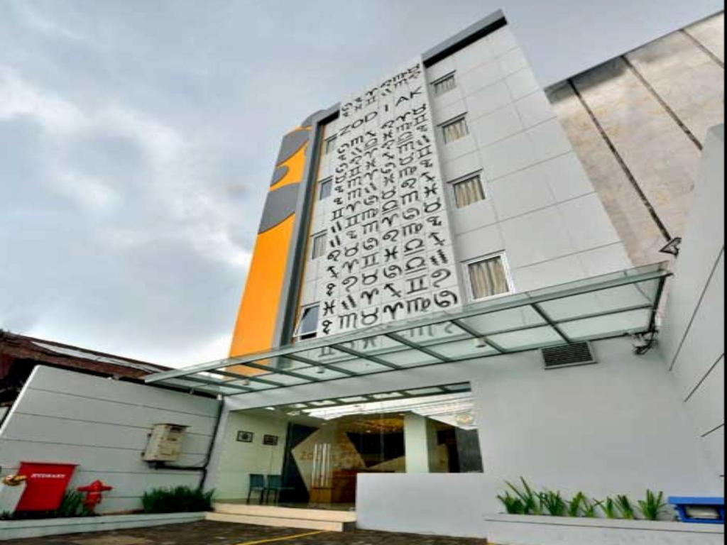 Informasi Lengkap Zodiak At Kebon Jati Hotel